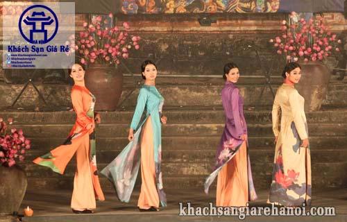 lễ hội áo dài ở Hà Nội